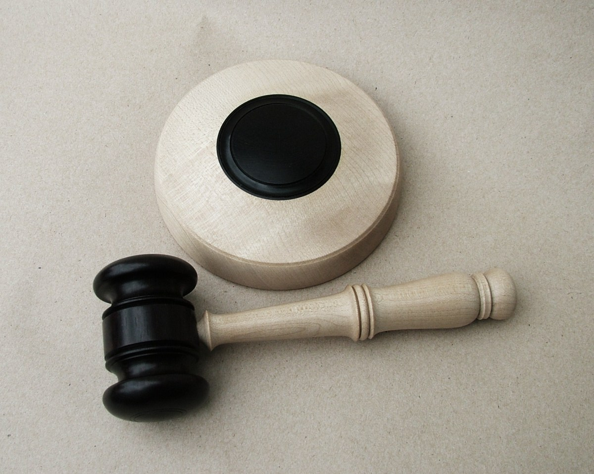 Stuart King Gavel and block