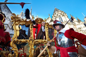 lord-mayor-in-carriage-300x200